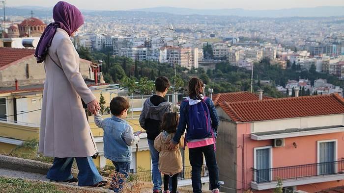 News video: Verfolgt und vertrieben: Tausende Türken finden Schutz in Griechenland