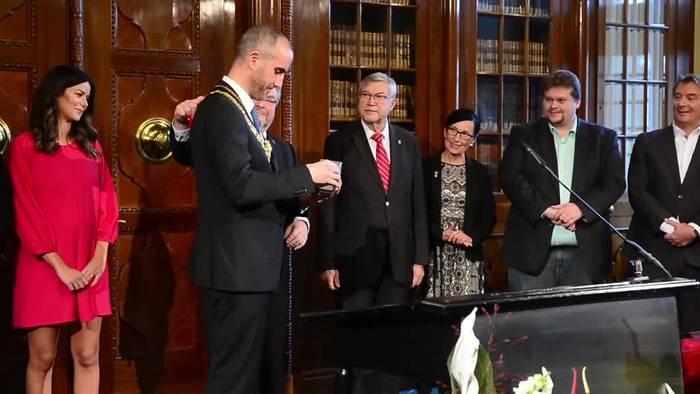 News video: Hannovers neuer grüner Oberbürgermeister Onay tritt Amt an