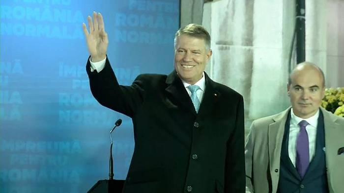 """Video: Klaus Iohannis bleibt Präsident: Sieg für das """"normale Rumänien"""""""