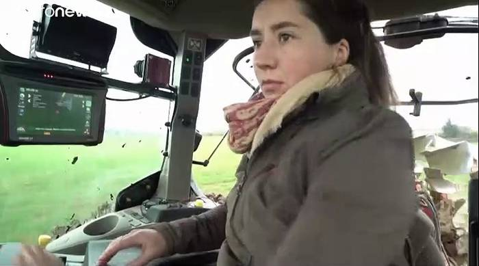 Video: Alix Heurtaut (29), Bäuerin: