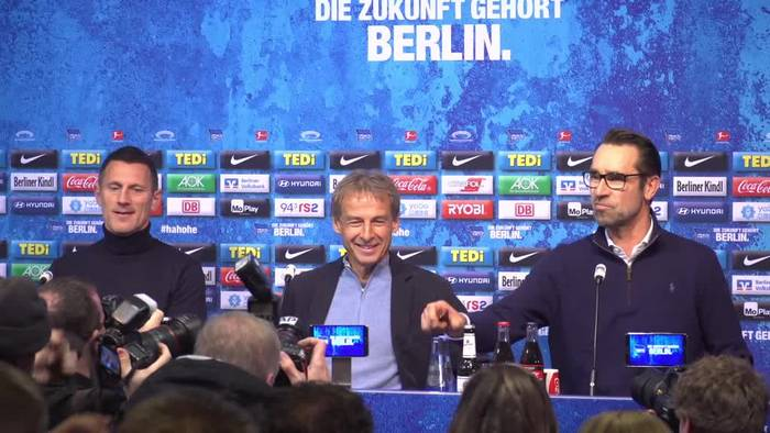 Video: Überraschungs-Comeback: Klinsmann soll Hertha retten