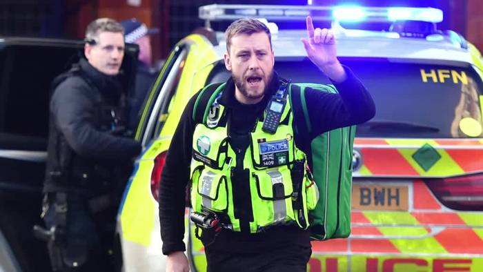 Video: Messerangriff in London - Polizei: Möglicherweise Terror