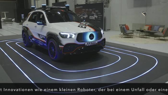 News video: Mercedes-Benz ESF 2019 TecDay - Neues Lenkrad-Konzept für automatisiertes Fahren und Warndreieck-Roboter