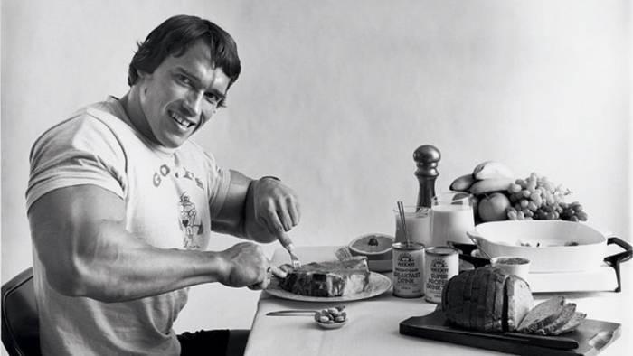 Video: Wir haben den Ernährungsplan von Arnold Schwarzenegger zu seinen Bodybuilder-Zeiten für euch