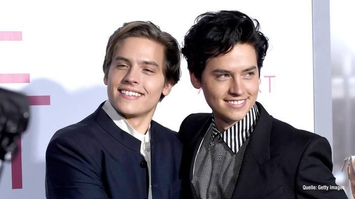 News video: Cole & Dylan Sprouse: Große Ehre für die Brüder