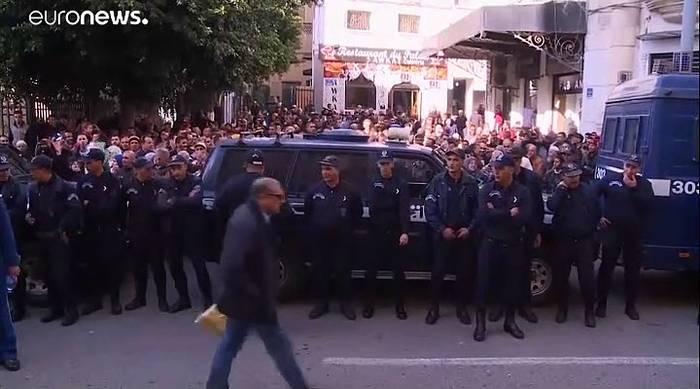 Video: Algerien: Prozess gegen ehemalige Ministerpräsidenten hat begonnen