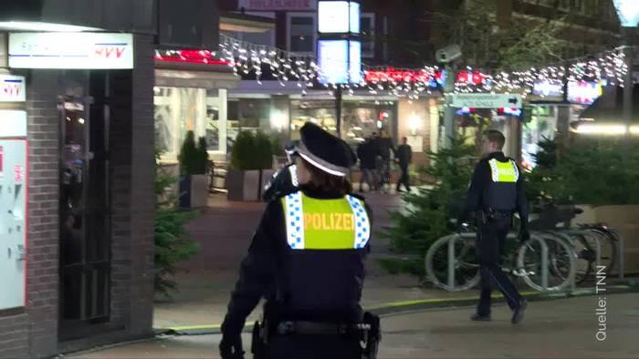 Video: Messerangriff in Hamburger Supermarkt: Täter flüchtig