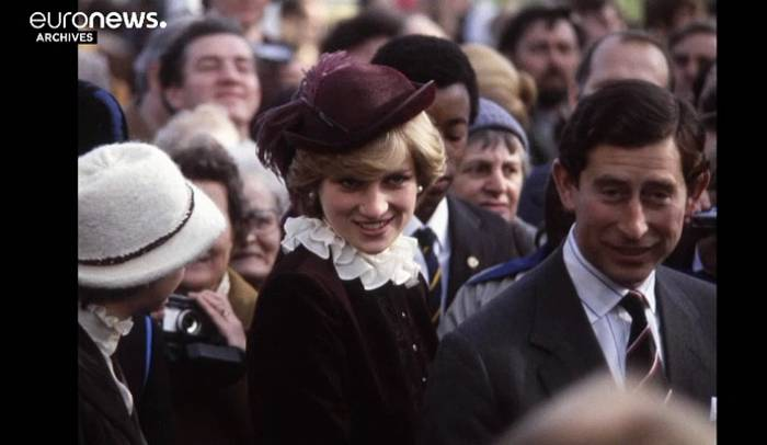 Video: Prinzessin Dianas berühmtes Abendkleid wird versteigert