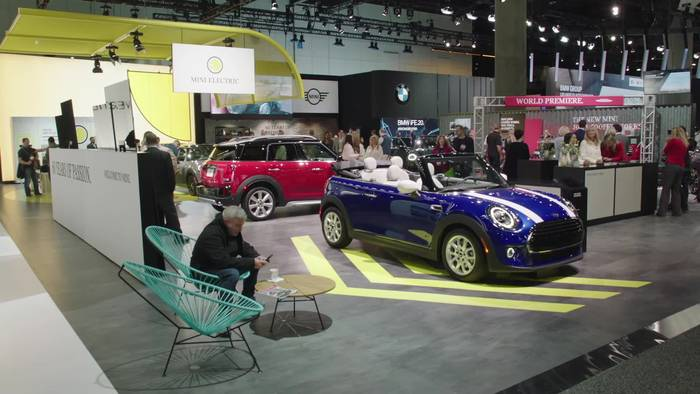 Video: Im MINI Cooper SE vom Silicon Valley nach Hollywood