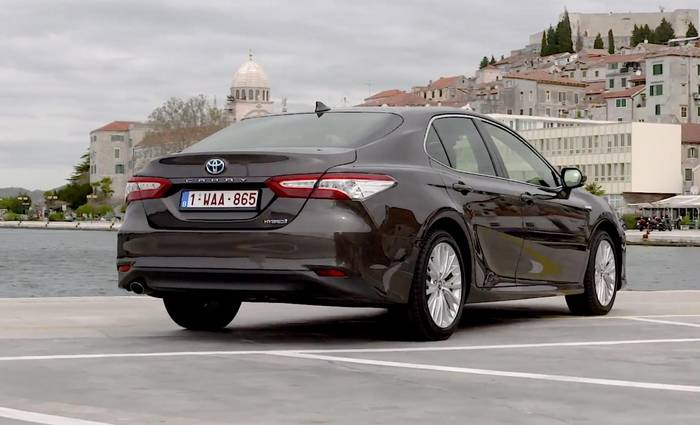 News video: Der neue Toyota Camry Hybrid Design