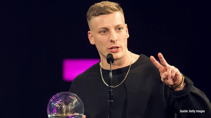 News video: Felix Lobrecht über seine Marke 12k. & die Comedy-Krone