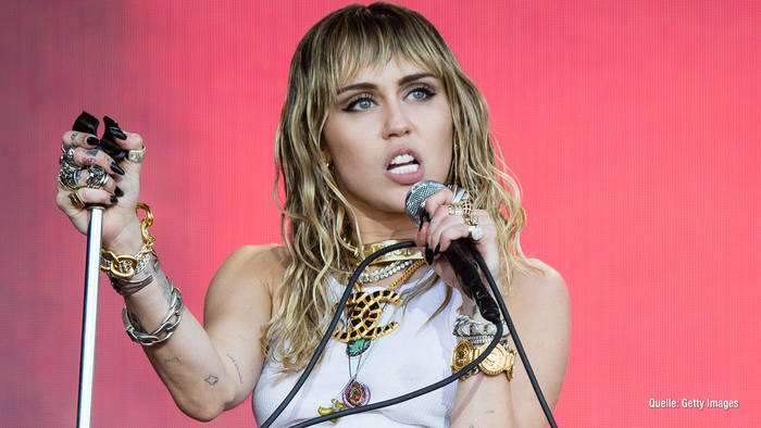 Video: Miley Cyrus: Tattoo-Seitenhieb an Liam?
