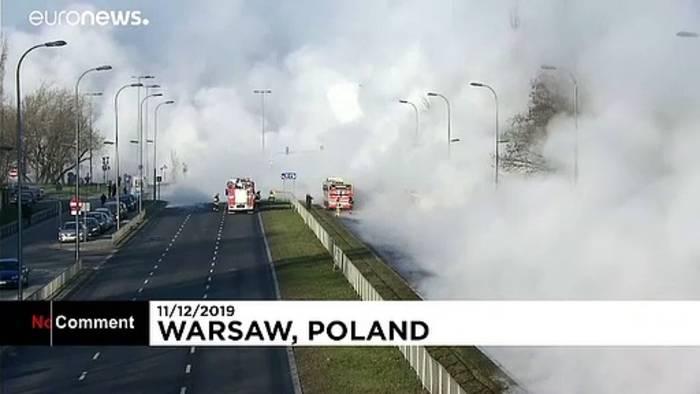 Video: Warschau: Wasserleitung geplatzt