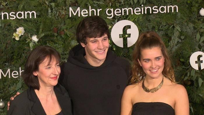 News video: Wincent Weiss schwärmt vom Facebook-Weihnachtskonzert