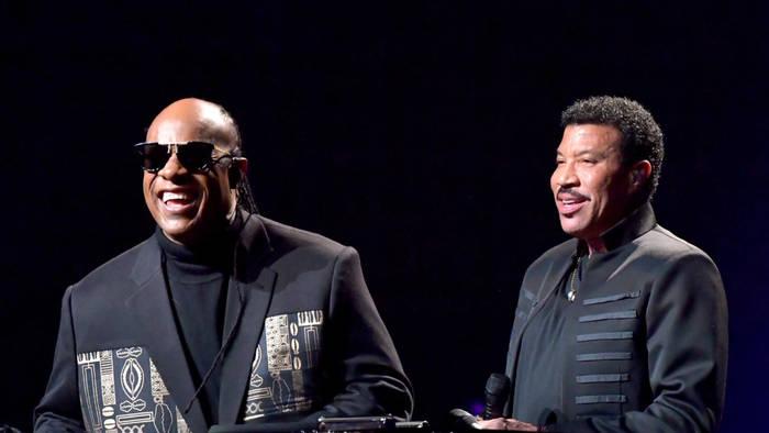 Video: Lionel Richie: Stevie Wonder kann sehen!