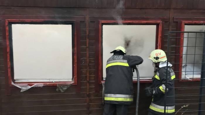 Video: Feuer in Feriensiedlung in Ostungarn!