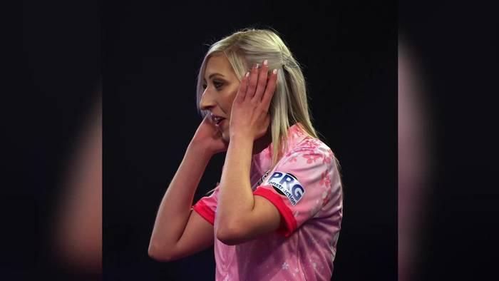 News video: Darts-WM: Fallon Sherrock gewinnt als erste Frau