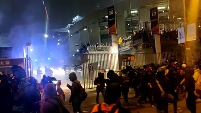 News video: Tausende Separatisten protestieren vor spanischem «Clásico»