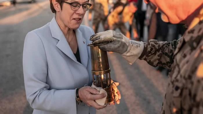 Video: Verteidigungsministerin zu Weihnachtsbesuch auf Zypern