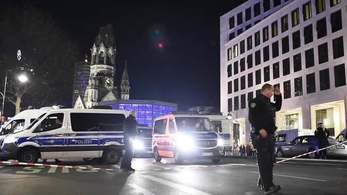 News video: Weihnachtsmarkt am Breitscheidplatz: Entwarnung nach Räumung