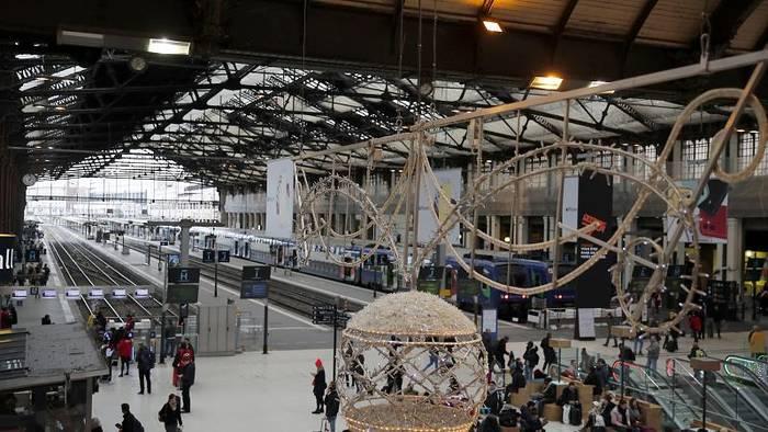 Video: Frankreich: Streik kostet die SNCF bisher 400 Millionen Euro