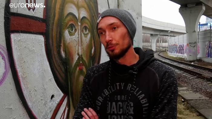 Video: Jesus und Maria: Russische Graffiti-Künstler sprayen religiöse Bilder