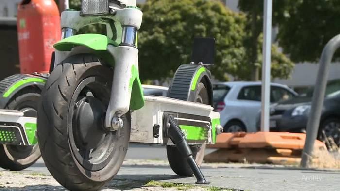 Video: E-Scooter in Deutschland: Geliebt, gehasst, gerollert