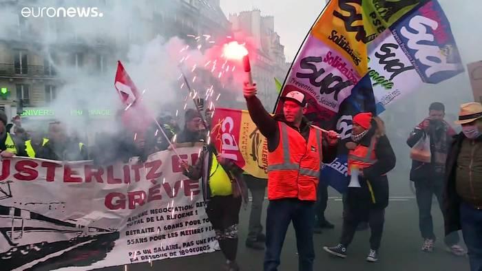 Video: Streik-Chaos vor Silvester in Frankreich