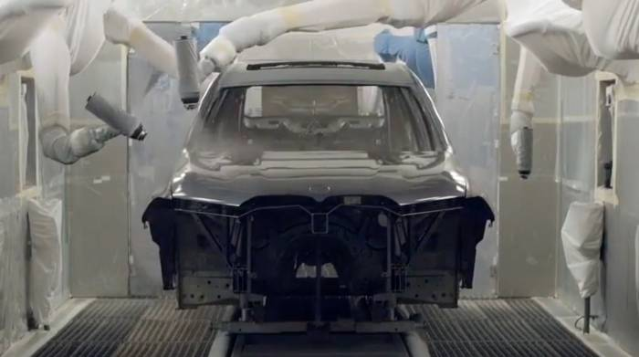 News video: Der BMW X7 - Lackiererei