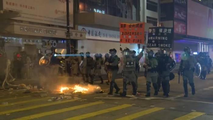 Video: Hongkong: Silvester mit Zwischenfällen