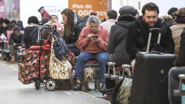 Video: Neuer Rekord: Frankreichs längster Streik seit 1986