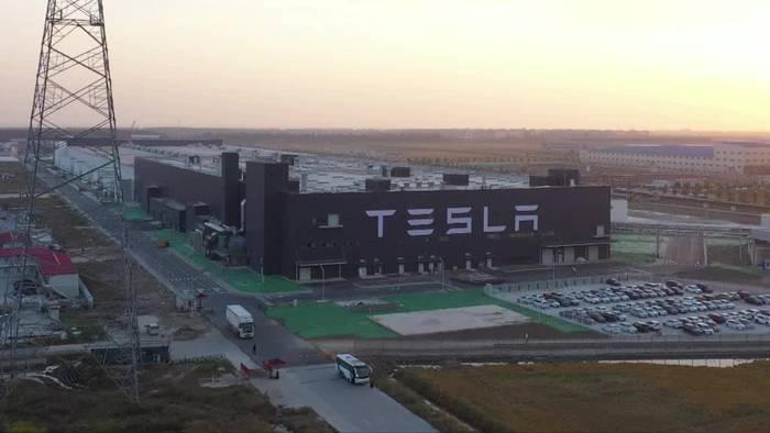 Video: Brandenburg: Tesla will bald über Fabrik entscheiden