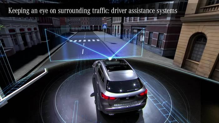 Video: Der neue Mercedes-Benz GLA - Das Verkehrsumfeld im Blick - die Fahrassistenzsysteme