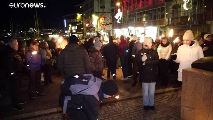 Video: Tödliche Tipps über Instagram - Demonstrationen in Norwegen