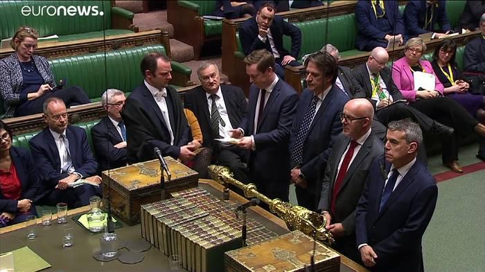 News video: Johnson ganz entspannt: Klare Mehrheit für Austrittsabkommen