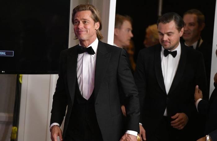 News video: Brad Pitt: Bradley Cooper half ihm trocken zu werden