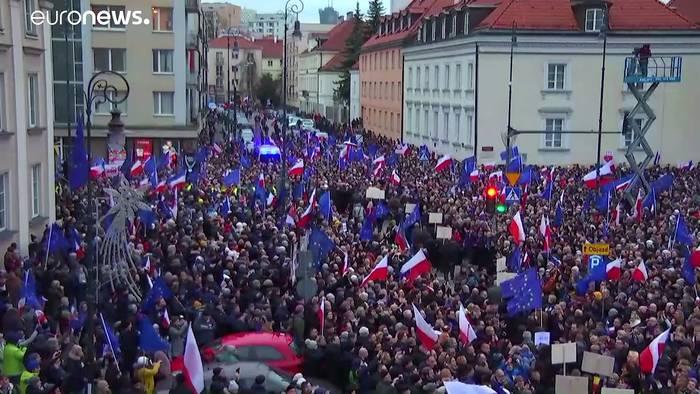 Video: Polen: Richter aus 20 Ländern demonstrieren für freie Justiz