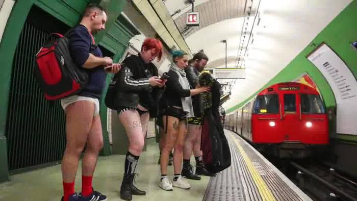 Video: «No Pants Subway Ride»: Ohne Hose in der U-Bahn