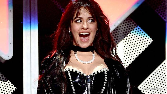 News video: Camila Cabello: Sie dankt ihren Fans und schwelgt in Erinnerungen