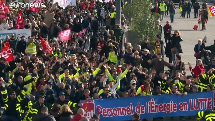 "Video: ""Wirtschaft lahmlegen"": Gewerkschaften fest entschlossen"