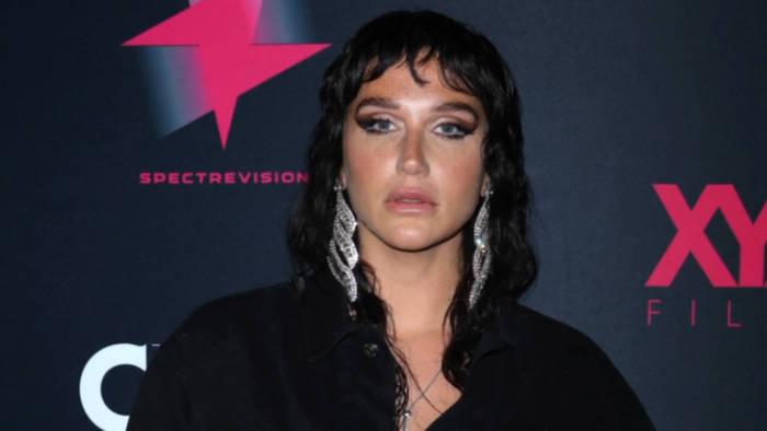Video: Kesha an die Plattenbosse: Wir sind keine Roboter
