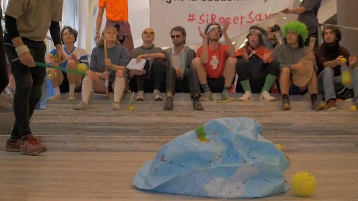 News video: Bank als Tennisplatz: Klimaaktivisten setzen Credit Suisse unter Druck