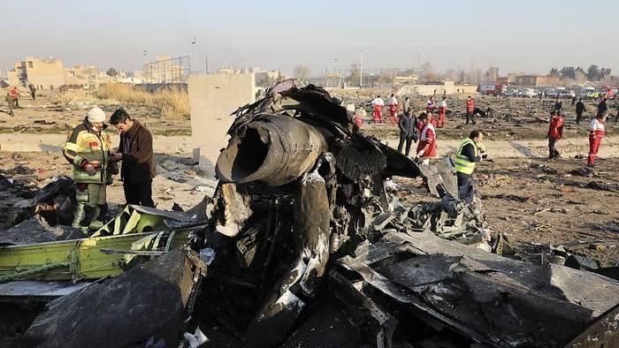 Video: Bericht des Iran: 2 Raketen trafen ukrainisches Passagierflugzeug