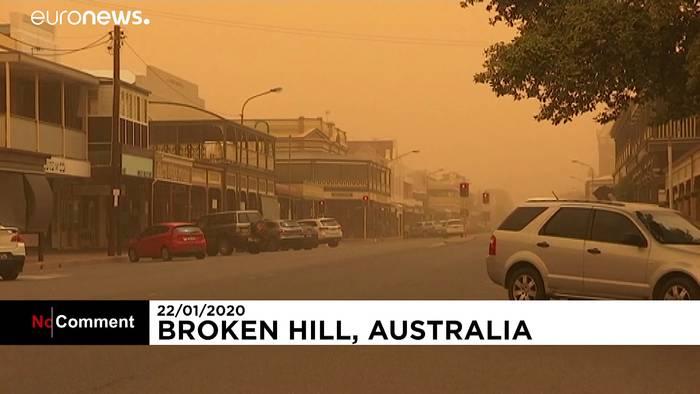 News video: Heftiger Sandsturm zieht über australische Outback-Stadt hinweg
