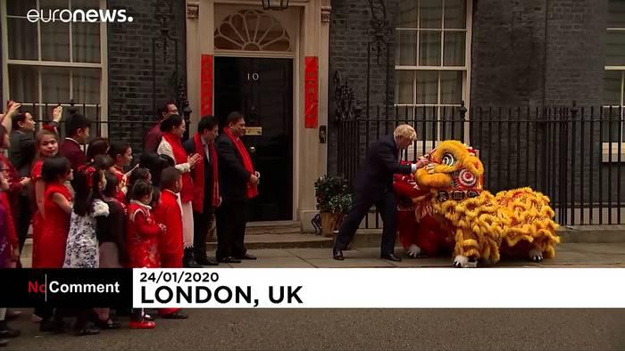 News video: Johnson schwänzt Krisensitzung zu Corona, um das chinesische Neujahr zu feiern
