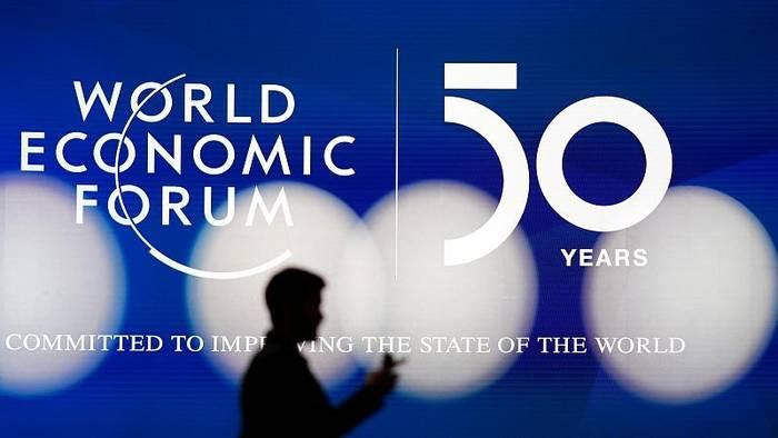 Video: Nach offiziellem WEF-Ende in Davos: Jetzt gibt's Smalltalk im Skilift