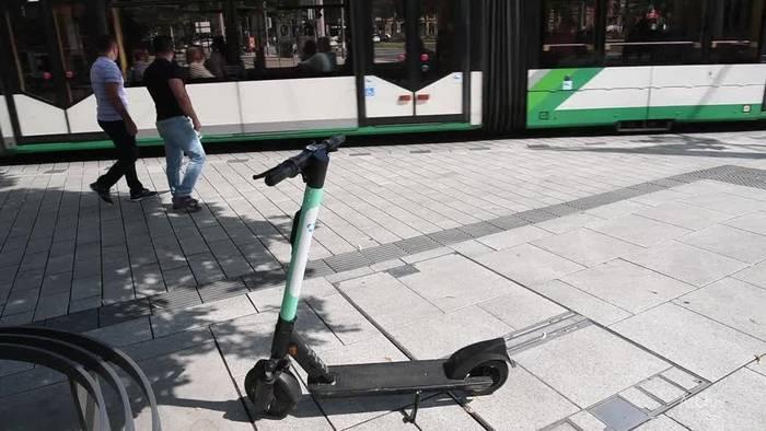 News video: Streit um E-Scooter: Fahrer zu unsicher und rücksichtslos?