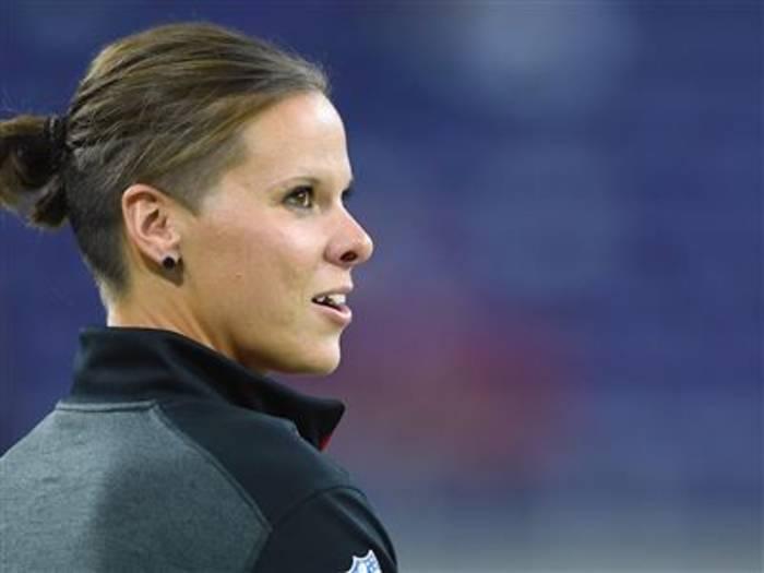 News video: Katie Sowers ist die erste Trainerin im Super Bowl