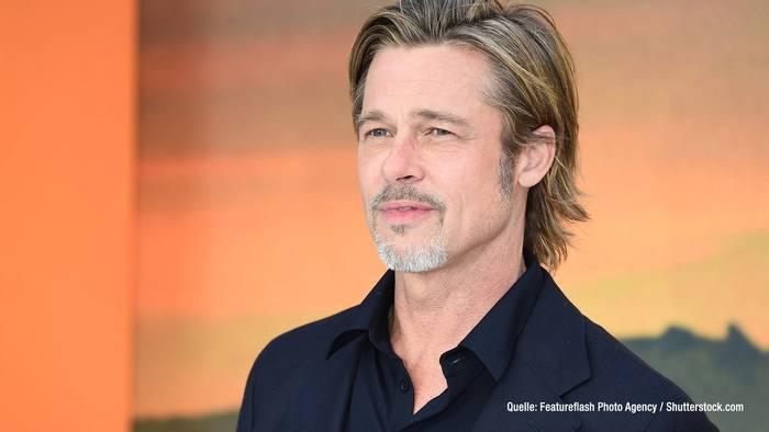 News video: Brad Pitt: SO machte er sich über Prinz Harry lustig