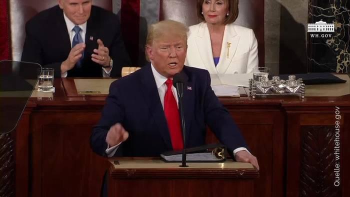 News video: Trump lobt Errungenschaften - Pelosi zerreißt Redemanuskript